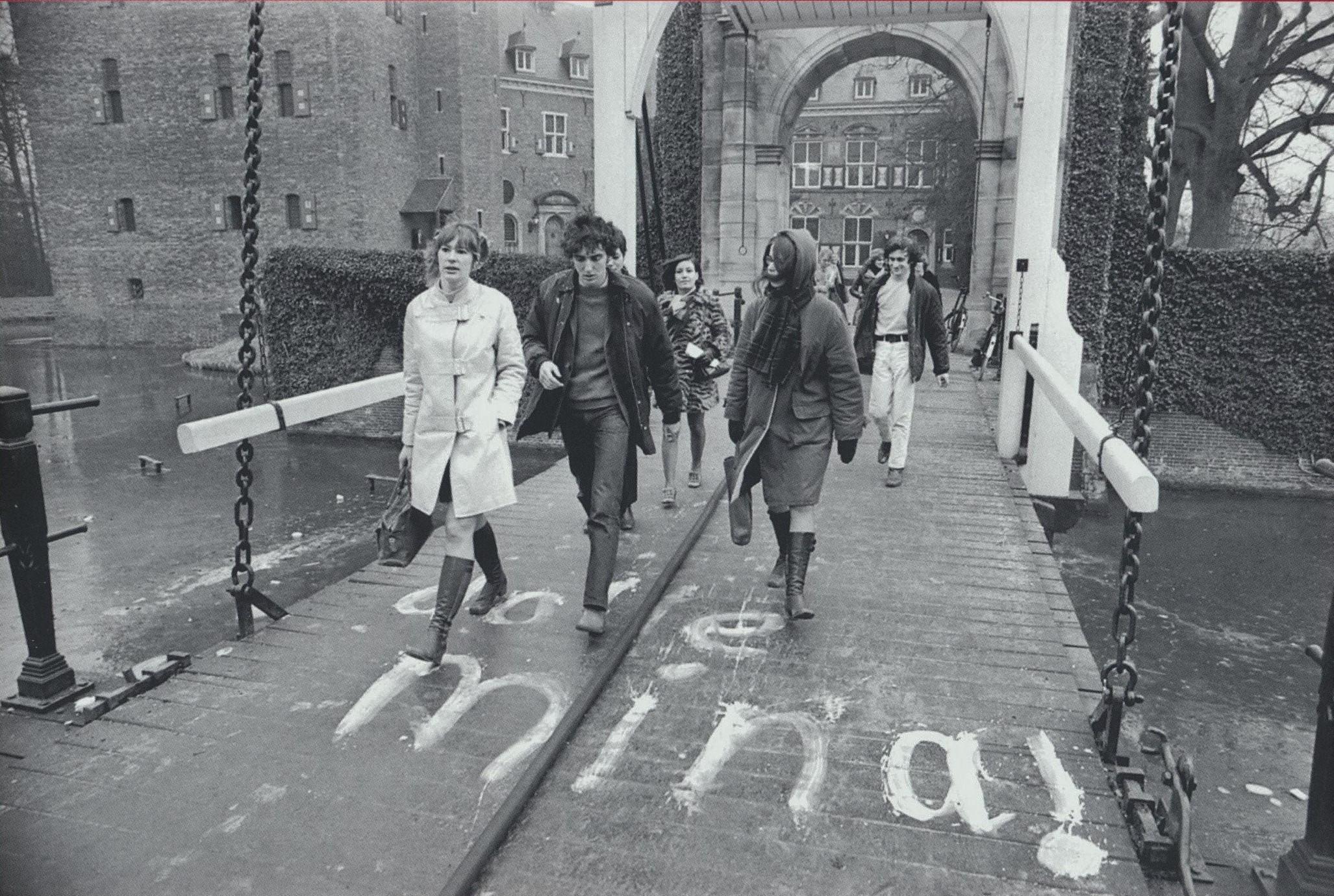 1970-01-23 Dolle Mina op bezoek